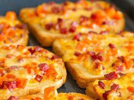 Простой рецепт мини-пиццы на хлебе. Когда некогда готовить!