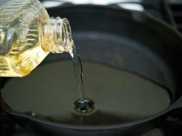 Растительное масло на сковородке — яд