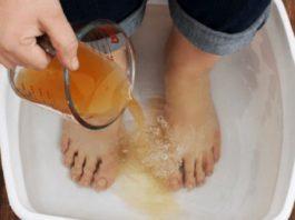 Избавьте своё тело от токсинов и болезней, просто поместив ноги в этот раствор на 20 минут